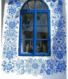 ♧blissfully blue and white hand painted design♧ ~ Street Artists, House Painting, Woman Painting, Windows And Doors, Decoration, Painted Furniture, Furniture Vintage, Industrial Furniture, Surface Design
