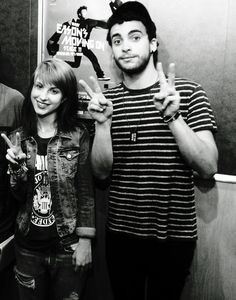 of Paramore - Hayley & Taylor (tho I guess now this IS Paramore. Paramore Hayley Williams, Taylor York, She Song, Rare Photos, People Like, Hunger Games, Cool Bands, Her Hair, T Shirts For Women