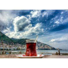 Çay var içersen, memleket var seversen  Fotoğraf@figenkahraman #çay #sahil #ordu #karadeniz #blacksea #turkey #memleketordu