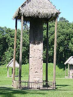 GT Quirigua Quiriguá es un yacimiento arqueológico perteneciente a la antigua civilización maya, ubicado en el departamento de Izabal en el nor-oriente de Guatemala.