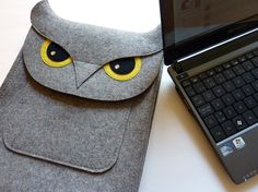 Mini-laptop 10 inch sleeve (NetBook) - Owl in natural grey designer felt $69