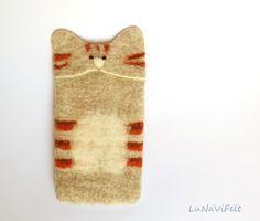 Cat iPhone case. Oatmeal Felt iPhone 6 case tabby by LuNaViFelt