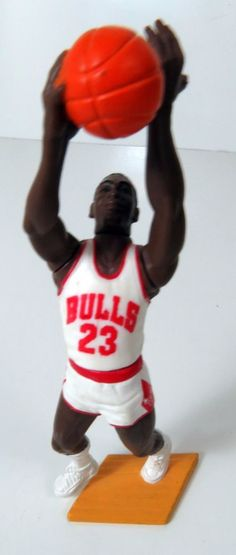 Michael Air Jordan 1988 Starting Lineup Basketball Loose Chicago Bulls 23   StartingLineup 1bf93c86c