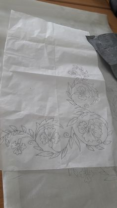 Tambour Embroidery, Hand Embroidery Videos, Hand Embroidery Flowers, Hand Work Embroidery, Embroidery On Clothes, Hand Embroidery Stitches, Border Embroidery Designs, Floral Embroidery Patterns, Basic Mehndi Designs