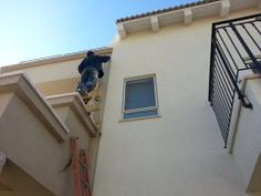 Tips To Hiring A Window And Gutter Cleaning Service Commercial Cleaning Services, Professional Cleaning Services, Cleaning Companies, Move In Cleaning, Roof Cleaning, Gutter Cleaning, California Closets, Florida, Windermere