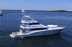 Boats for Sale Fishing Yachts, Sport Fishing Boats, Power Boats For Sale, Used Boat For Sale, Sport Yacht, Boat Dealer, Yacht Design, Bed Design, Used Boats