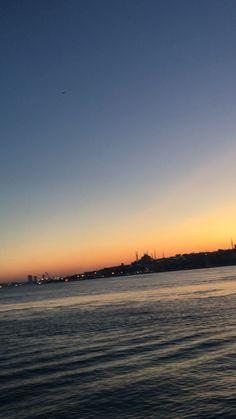 istanbul photography Schiffsfahrt in Istanbul Airplane Photography, Cute Photography, Nature Photography, Travel Photography, Visit Istanbul, Istanbul Travel, Sky Aesthetic, Travel Aesthetic, Creative Instagram Photo Ideas
