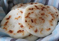 Arepas are one of my favorite dishes from Colombia. If you don't know what an arepa is, it is a type of tortilla made from corn. You can eat them with a cup of hot chocolate for breakfast, or… Colombian Arepas, Colombian Dishes, Colombian Food, My Colombian Recipes, Naan, Columbian Recipes, Comida Latina, Latin Food, International Recipes