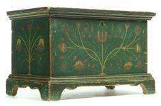hand painted blanket box - forest green with florals Painting Antique Furniture, Antique Paint, Hand Painted Furniture, Art Furniture, Painted Trunk, Painted Chest, Painted Boxes, Southern Furniture, Country Furniture