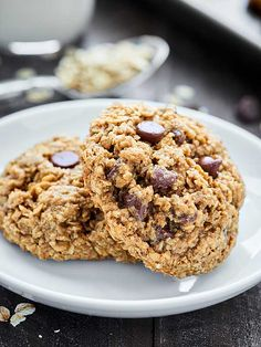 Oatmeal Chocolate Chip Cookies Recipe via @showmetheyummy