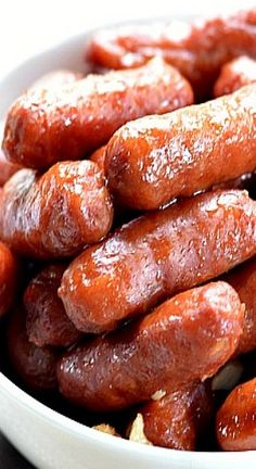 Slow Cooker Honey Garlic Lil' Smokies ~  a delicious sweet and savory flavor that's always a hit with crowds.  Making this appetizer in a slow cooker makes it a hit with hosts/hostesses everywhere!