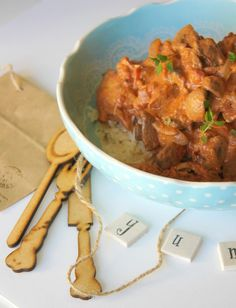 Monday's 15 minute cheat's chicken - Cook Culinary & Craft Studio South African Recipes, Ethnic Recipes, My Recipes, Chicken Recipes, Cheating, Curry, Healthy Eating, Beef, Cooking