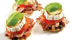 Mini-pizzas au chèvre | Recettes IGA | Apéro, Fromage, Recette facile
