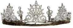 A lovely diamond belle epoque tiara, put up for sale by Bonham's this month, auction to be held on 11th February 2015, estimate £7,000 to £10,000. Featuring three diamond spray or star burst motifs, with smaller diamond spacers, rising from a velvet band....and see next pin the lady it may have belonged to in 1900.