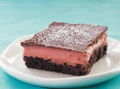 Gluten Free Strawberry Truffle Brownies:    Betty Crocker Gluten Free brownie mix is the base for these fabulous easy-to-make bars. Make it your way with the delicious variation below.    whenthingshurt.com