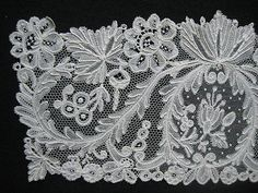 Point DAngleterre - I would call it Brussels. Needle Lace, Bobbin Lace, Antique Lace, Vintage Lace, Romanian Lace, Lace Button, Textiles, Lacemaking, Art Textile