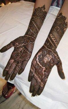 Looking for Raju Mehendi Artist Gurgaon? Browse of latest bridal photos, lehenga & jewelry designs, decor ideas, etc. on WedMeGood Gallery. Unique Mehndi Designs, Bridal Mehndi Designs, Henna Designs, Cool Designs, Henna Mehndi, Mehendi, Arabic Henna, Online Wedding Planner, Mahendi Design
