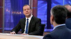 Чушь, бумажки и компот: Медведев ответил на обвинения в коррупции https://riafan.ru/699078-chush-bumazhki-i-kompot-medvedev-otvetil-na-obvineniya-v-korrupcii
