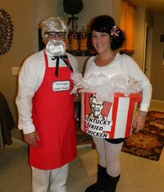 The couple that laugh & giggles together, scares together, stays together. Enjoy hilarious couples Halloween costumes of the day. These funniest costume ideas are perfect for couples who creep it real. Costume Halloween Homme, Original Halloween Costumes, Image Halloween, Couples Halloween, Homemade Halloween Costumes, Halloween Costume Contest, Halloween Kostüm, Diy Halloween Costumes, Family Halloween