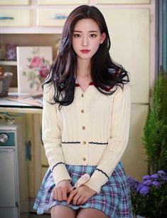 ( *`ω´) ιf you dᎾℕ't lιkє Ꮗhat you sєє❤, plєᎯsє bє kιnd Ꭿℕd just movє ᎯlᎾng. Beautiful Asian Girls, Pretty Asian, Korean Beauty, Asian Beauty, Girl Pictures, Girl Photos, Fashion Models, Girl Fashion, Jennie Blackpink