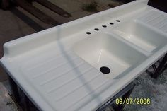 old fashioned kitchen sinks with drainboard | Found on retrorenovation.com