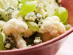 Kukkakaali-rypälesalaatti - Reseptit Cauliflower Recipes, Vegetables, Food, Califlower Recipes, Essen, Vegetable Recipes, Meals, Yemek, Veggies