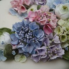 Amazing hydrangea bloom cake decoration | Amy Swann cakes