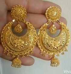 Fulfill a Wedding Tradition with Estate Bridal Jewelry Gold Jhumka Earrings, Jewelry Design Earrings, Gold Earrings Designs, Indian Earrings Gold, Gold Necklace, Gold Ring Designs, Gold Bangles Design, Gold Jewellery Design, Handmade Jewellery