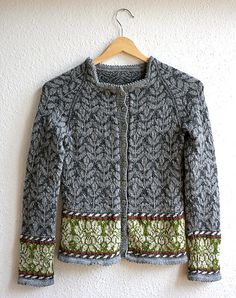Ravelry: Malousine's Frühlingsjäckchen You are in the right place about fair isle knittings how to H Punto Fair Isle, Motif Fair Isle, Fair Isle Pattern, Knitting Designs, Knitting Stitches, Knitting Yarn, Knitting Projects, Free Knitting, Linen Stitch