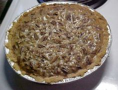 Low Carb Diet Recipes - Pecan Pie Recipe - Perfect for Low Carb Atkins, South Beach, or Diabetics - Where else are you going to get a nice piece of Pecan Pie for just 4 Carbs? Sugar Free Pecan Pie, Sugar Free Maple Syrup, Sugar Free Desserts, Sugar Free Recipes, Almond Recipes, Stevia Desserts, Stevia Recipes, Diet Desserts, Dessert Recipes