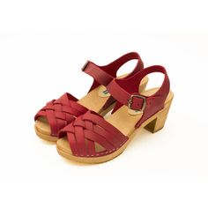 Betty, nubuck red ($119) ❤ liked on Polyvore featuring shoes, strappy shoes, clog shoes, red strappy shoes, red strap shoes and red mid heel shoes