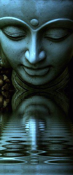 """""""La Gnosis es la raíz del Cristianismo; la llama viviente del Budismo, el fondo…"""