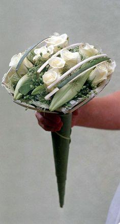 Floral composition for the bride Plus