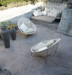 Stone Patio Furniture Idea – Cozy Patio Design with Concrete Outdoor Sofa, Outdoor Seating, Outdoor Spaces, Outdoor Living, Outdoor Loungers, Small Patio Furniture, Funky Furniture, Outdoor Furniture Sets, Furniture Ideas