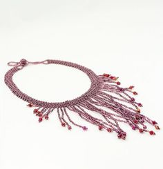 Long Frills Pote Necklace