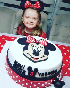 Ama bu Minnie Mouse  yenmez mi? İyi ki doğmuş Mavi Deniz.. #minniemousepasta #minniemousecake @isil.arslan_ Pasta, Desserts, Food, Tailgate Desserts, Deserts, Essen, Postres, Meals, Dessert