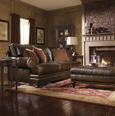 Leather sofa - Tips to Decorate your Living Room http://blog.coloradostyle.com/furniture-decorating/tips-to-decorate-your-living-room-add-a-focal-point-and-texture/