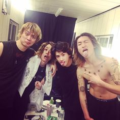 いいね!12.4千件、コメント183件 ― Rui Hashimotoさん(@ruihashimoto)のInstagramアカウント: 「台湾TAIPEI NANGANG C3 PARKING LOTでのONE OK…」 One Ok Rock, My Chemical Romance, Twenty One Pilots, Rock Bands, My Music, The Twenties, Celebs, Couple Photos, People