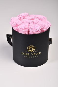 Real Pink roses that last for 1 year in a hat box Preserved Roses, Thing 1, Black Box, Pink Roses, 1 Year, Hat, Chip Hat, Hats