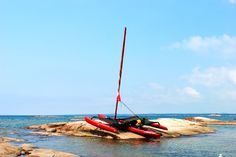 The roto-moulded hull is tough and can be dragged ashore. Hobie Adventure Island, Hobie Tandem Island, Pedal Powered Kayak, Hobie Mirage, Hobie Kayak, Canoe And Kayak, Sailboats, Touring, Kayaking