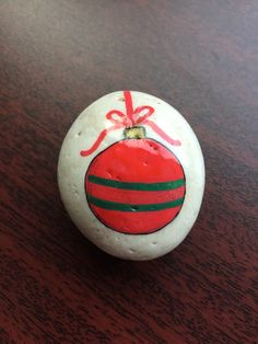 Easy and Fun Christmas Crafts for Toddlers – Painted Rocks ornament Christmas rock Blue Christmas Decor, Christmas Rock, Christmas Ornaments, Xmas, Pebble Painting, Pebble Art, Stone Painting, Rock Painting Ideas Easy, Rock Painting Designs