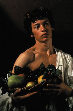 Caravaggio is a 1986 British drama film directed by Derek Jarman. The film is a fictionalised re-telling of the life of Baroque painter Michelangelo Merisi da Caravaggio. It is the film debut of Tilda Swinton and Sean Bean. Michelangelo Caravaggio, Baroque Painting, Baroque Art, Italian Painters, Italian Artist, Tableaux Vivants, Photographie Portrait Inspiration, Tilda Swinton, Art History