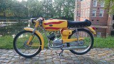 Classic Cars For Sale Custom Moped, Car Detailing, Cars And Motorcycles, Cars For Sale, Classic Cars, Bike, Board, Sports, Vintage