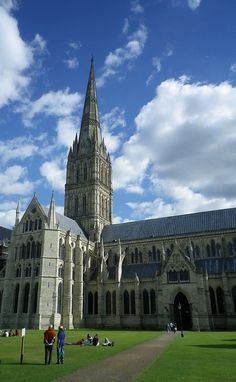 Salisbury Cathedral Salisbury Cathedral, Magna Carta, Building Structure, Beautiful Buildings, Middle Ages, Barcelona Cathedral, Castles, Craftsman, Places Ive Been