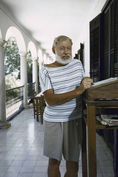Ernest Hemingway (Photo by Loomis Dean/Time Life Pictures/Getty Images)