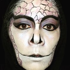 Snake makeup