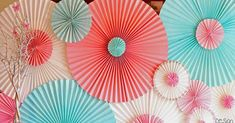 Fabulous DIY Paper Rosettes that would be a perfect addition to any party! Paper Folding Crafts, Cool Paper Crafts, Scrapbook Paper Crafts, Diy Crafts, Party Kulissen, 18th Birthday Party, Diy Papier, Boy Decor, Flower Wall Decor