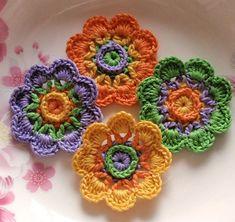 Crochet Mandala Pattern, Crochet Flower Patterns, Bead Crochet, Crochet Crafts, Crochet Flowers, Crochet Stitches, Crochet Projects, Crochet Designs, Knitting Patterns