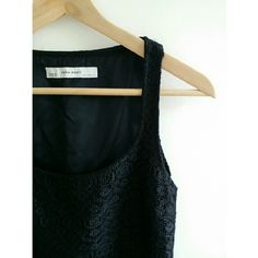 Zara Lace Dress Really beautiful and sophisticated dress The perfect little black dress  Grea condition  Zipper opening on the side. Zara Dresses Midi