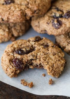 Flourless oatmeal raisin cookies that are soft, chewy, and super easy to make. They're comforting health food at its finest! | runningwithspoons.com